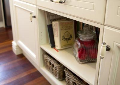 French-provincial-open-shelf-wicker-basket-kitchen-update