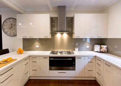 MAIN-laminex-moleskin-silk-cabinetry-caesarstone-osprey-benchtopt-glass-splashback-fisher-paykel-90cm-glass-canopy-oven-gas-cooktop-kitchen-update