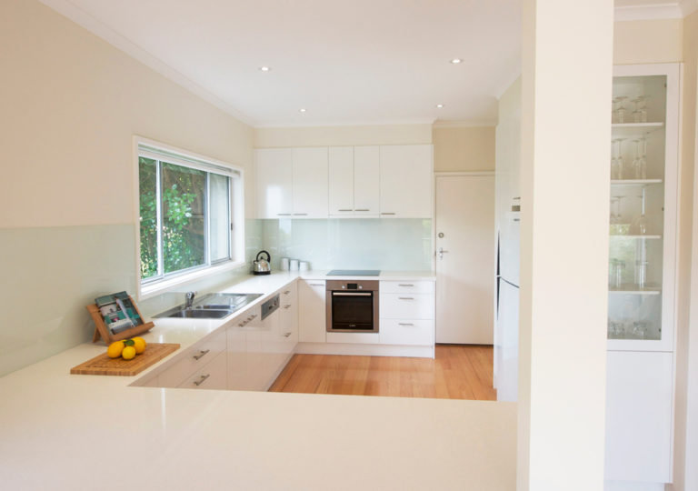 Kitchen renovation<br>bright and white