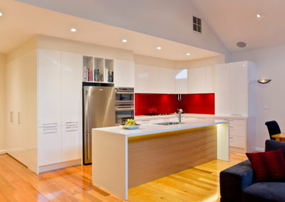 MAIN-white-gloss-red-glass-splashback-kitchen-update-1