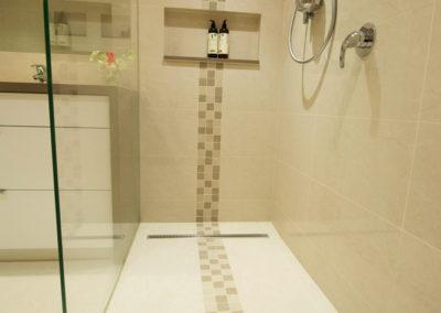 bathroom-walk-in-shower-frameless-tile-kitchen-update