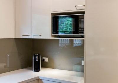 laminex-moleskin-silk-gloss-caesarstone-osprey-dulux-bogart-glass-splashback-microwave-box-kitchen-update