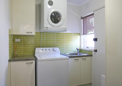 laundry-laminex-silk-antique-white-duropal-benchtop-natural-messina-avocado-matrix-tile-kitchen-update-2