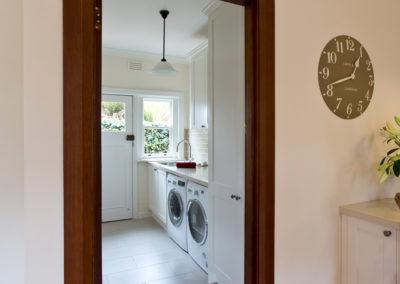 laundry-two-pack-shaker-quantum-quartz-honeycomb-subway-tile-kitchen-update-2