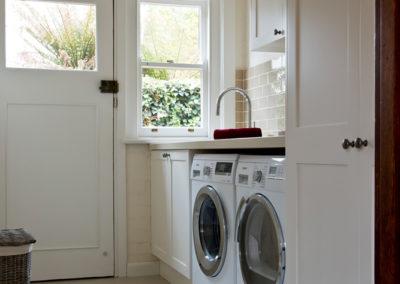 laundry-two-pack-shaker-quantum-quartz-honeycomb-subway-tile-kitchen-update-4