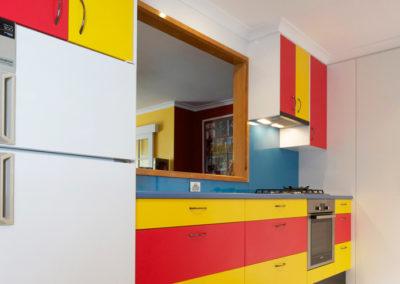 primary-colours-red-yellow-blue-white-black-laminate-glass-splashback-60cm-bosch-underbench-oven-kitchen-update