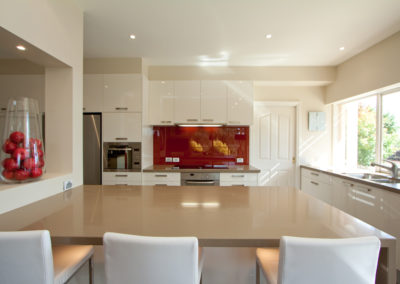 two-pack-painted-dulux-antique-white-usa-caesarstone-red-glass-splashback-niche-wall-cut-out-kitchen-update