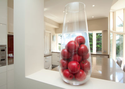 wall-niche-cut-out-red-apples-two-pack-paint-caesarstone-glass-splashback-kitchen-update