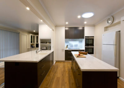 white-gloss-laminate-polytec-cavia-lini-corian-raincloud-benchtop-photographic-glass-splashback-tulip-kitchen-update-3