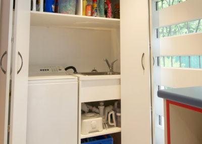 white-laminate-euro-laundry-bi-fold-door-hettich-wingline-track-kitchen-update