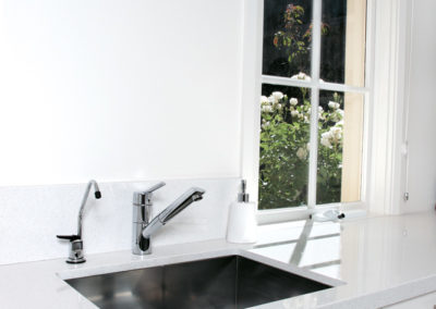 white-two-pack-caesarstone-sink-under-mount-kitchen-update