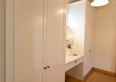 white-two-pack-shaker-wardrobe-dressing-room-caesarstone-kitchen-update-1