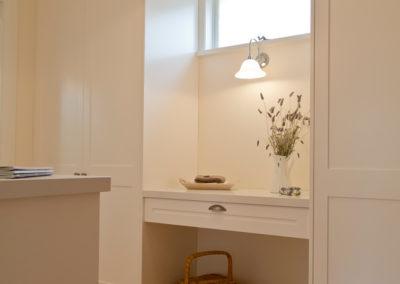 white-two-pack-shaker-wardrobe-dressing-room-caesarstone-kitchen-update-4