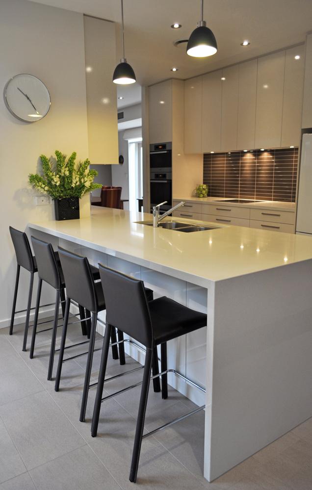 contemporary-gloss-laminex-quantum-quartz-benchtop-kitchen-update-2