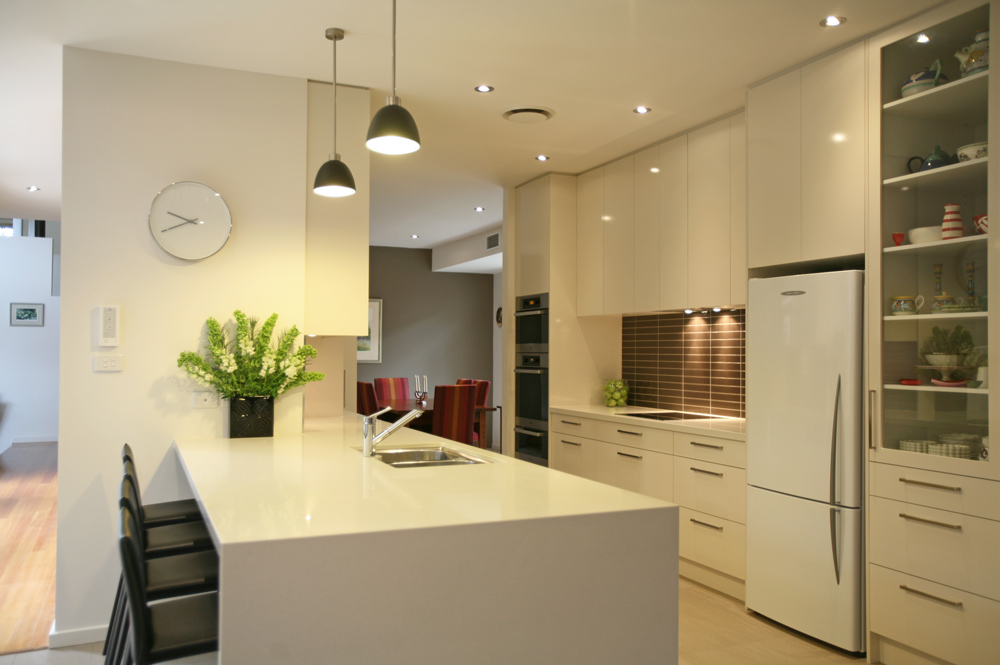 contemporary-gloss-laminex-quantum-quartz-benchtop-kitchen-update-4