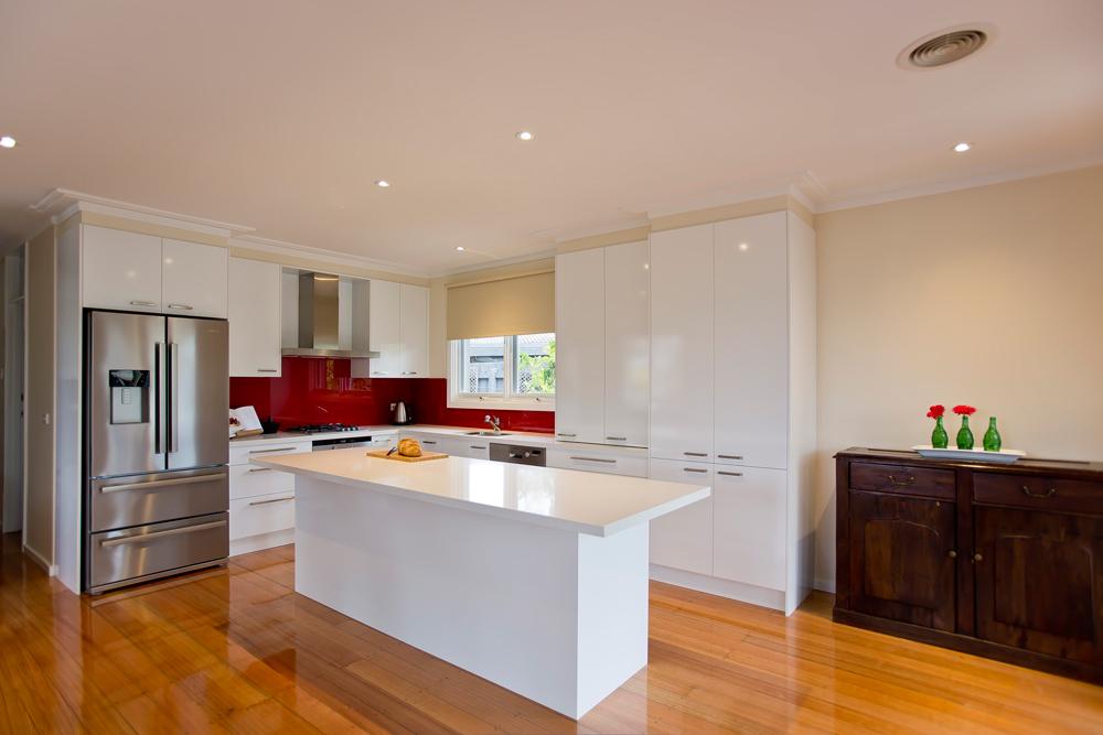 polar-white-laminex-silk-ocean-foam-caesarstone-red-glass-splashback-island-bench-kitchen-update-1