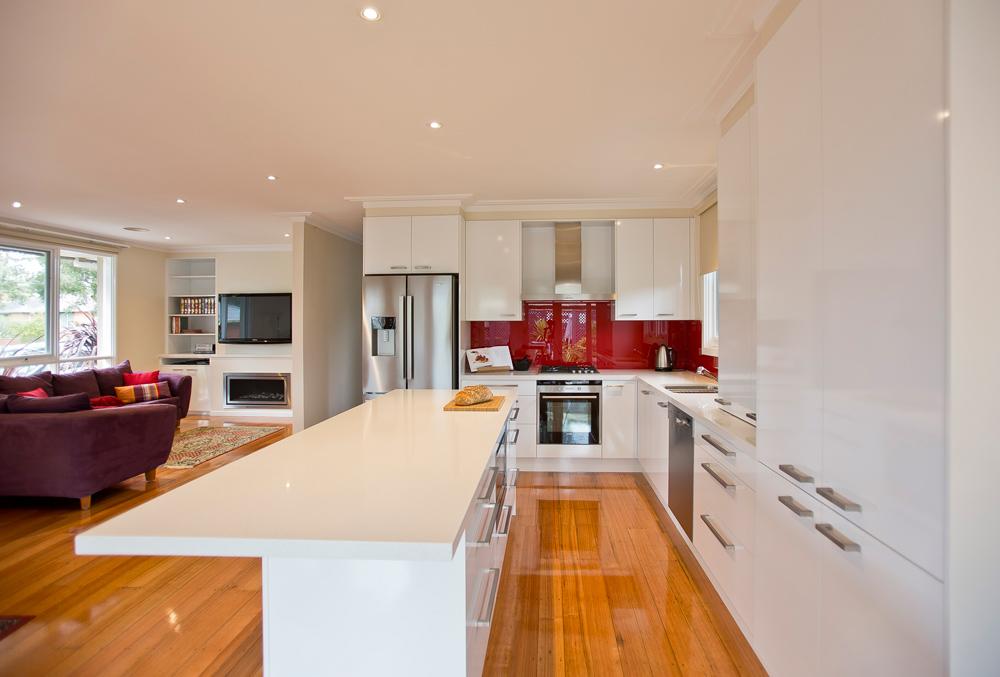 polar-white-laminex-silk-ocean-foam-caesarstone-red-glass-splashback-island-bench-kitchen-update-2
